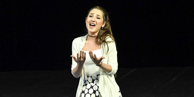 Rok od roku její talent roste: Takhle Natálka Grossová (16) zpívá árii z muzikálu Čarodějka