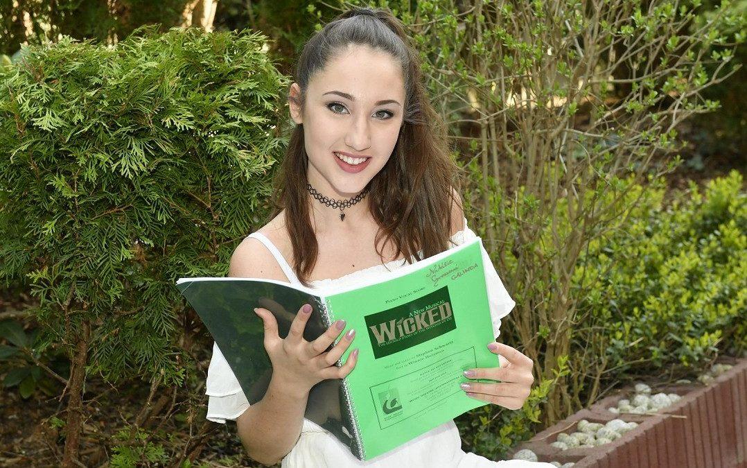 Natálka Grossová se raduje: Roli v muzikálu Čarodějka dostal i její fešný přítel