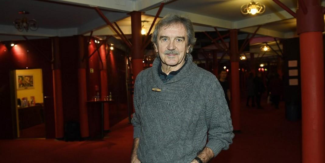 Je jedním z nejdéle sloužících muzikálových zpěváků: V prvním účinkoval už před 50 lety, nyní exceluje v Čarodějce